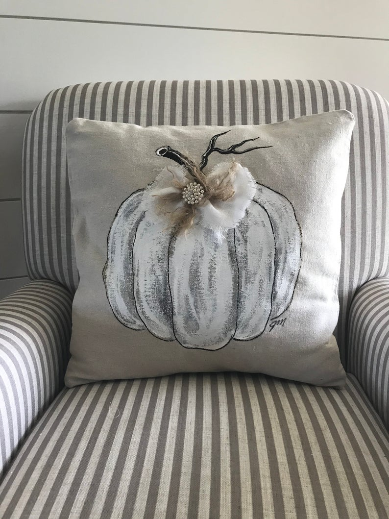 16 Cute Handmade Fall-Inspired Pillow Ideas To Add To The Home Decor