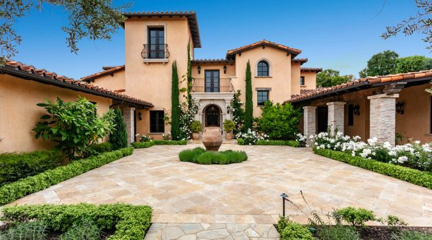 17 Mind-Blowing Mediterranean Home Exterior Designs You Will Drool Over