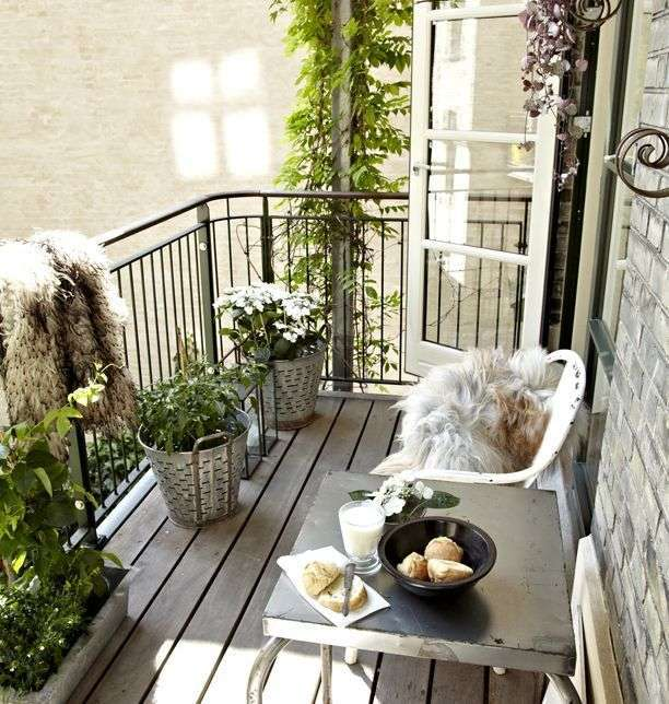 10 Magnificent Ideas To Decorate Italian Style Balcony