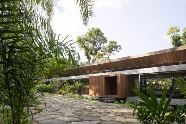 All House by Gui Mattos on Itamambuca Beach in Brazil