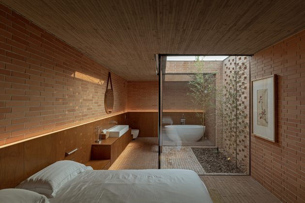 Courtyard Villa by ARCHSTUDIO in Tangshan, China