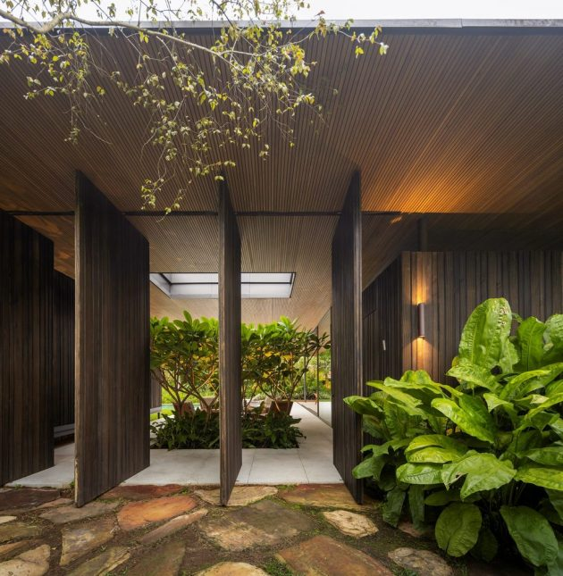 PS House by Jacobsen Arquitetura in Jardim Nancy, Brazil