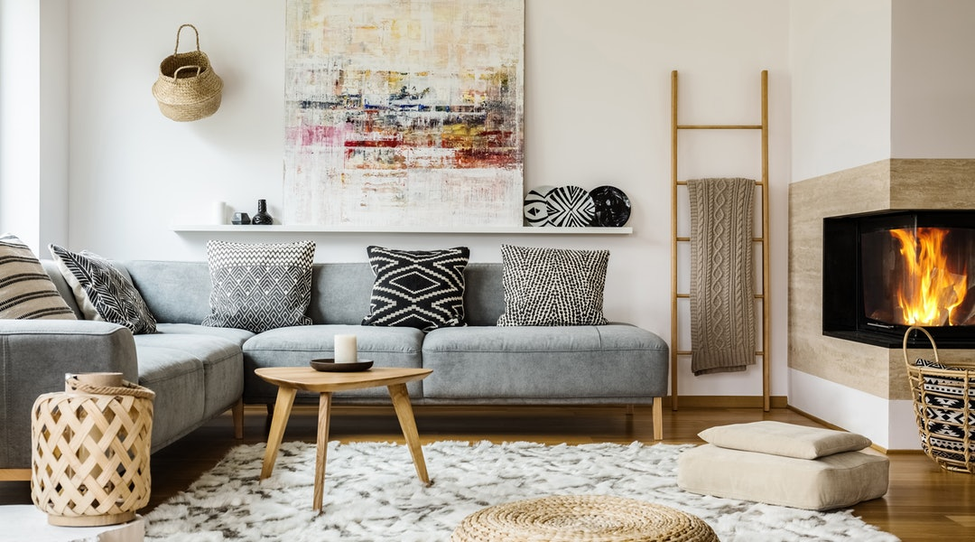 5 living room remodel tips that yield a high roi at sale