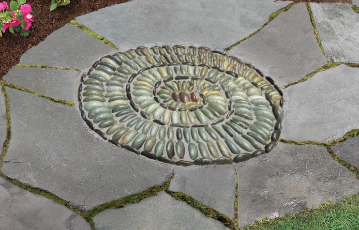 15 Creative DIY Mosaic Projects That Will Bring Some Color To Your Garden