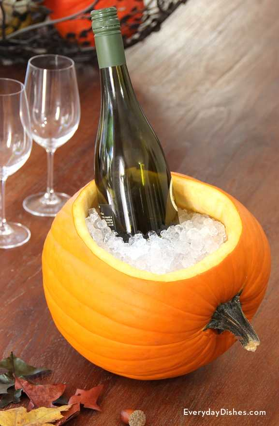 17 Spook-tacular Ways To Carve Some Pumpkins This Fall