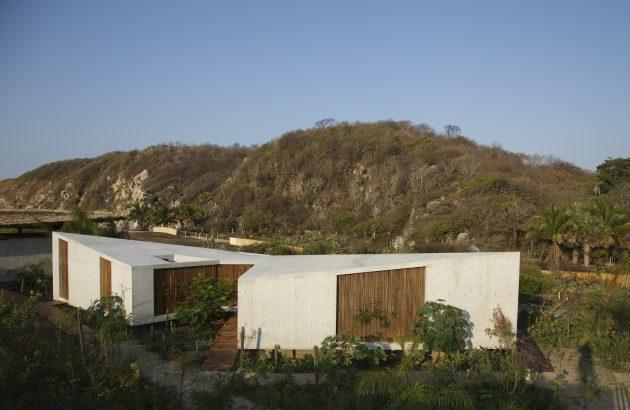 Altanera House by Taller Alberto Calleja in Puerto Escondido, Mexico