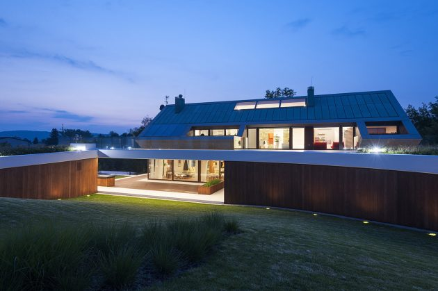 Edge House by Mobius Architects in Krakow, Poland