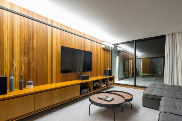 Pindaibeiras Residence by Pablo Lanza Arquitetura + André Scarpa in Brazil