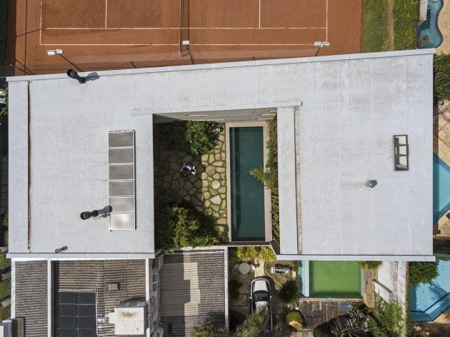 Poa House by Bernardes Arquitetura in Porto Alegre, Brazil