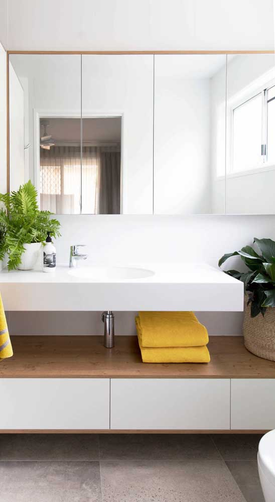 Inspiring Ideas of Bathroom Shelves and Decorating Tips to ...