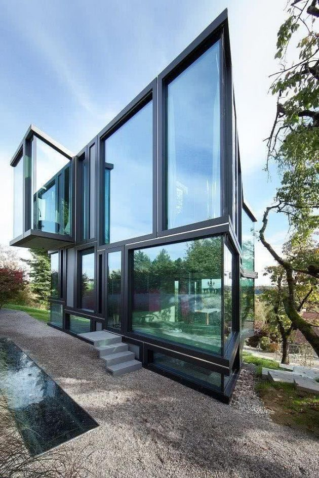 10 Marvelous Facades of Houses with Glass