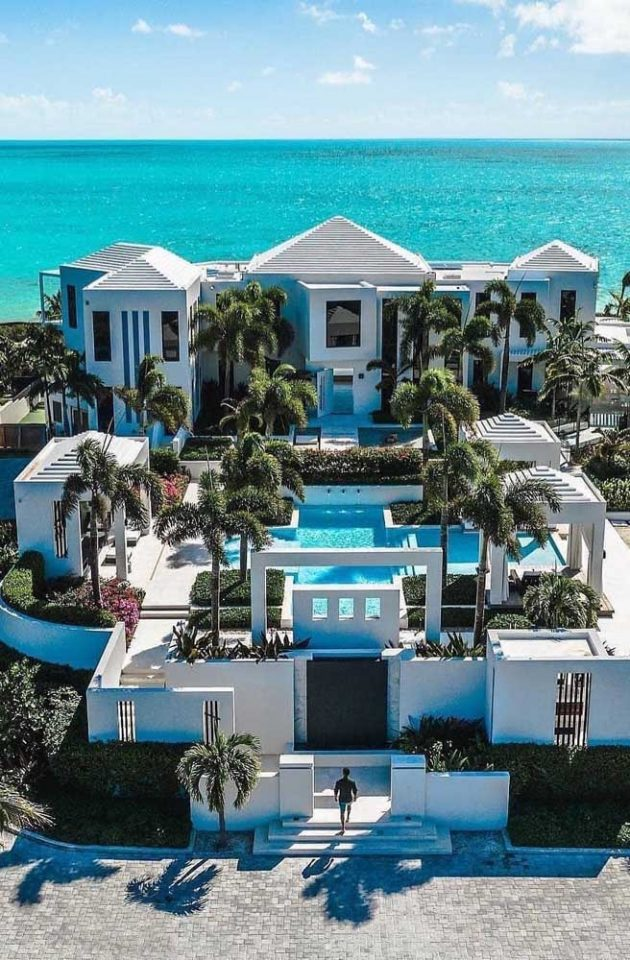 Discover These 12 Luxury Mansions That Will Inspire You Today for Your Future Home