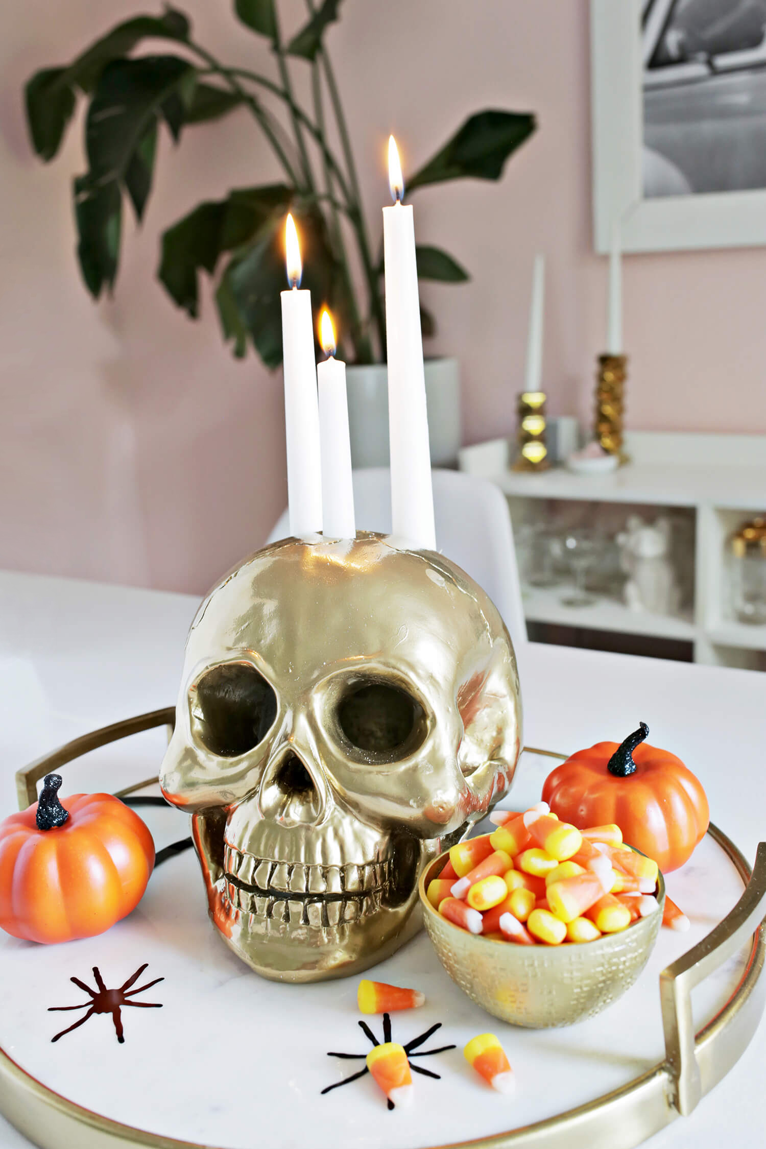 15 Eerie DIY Halloween Decor Ideas You Can Easily Craft
