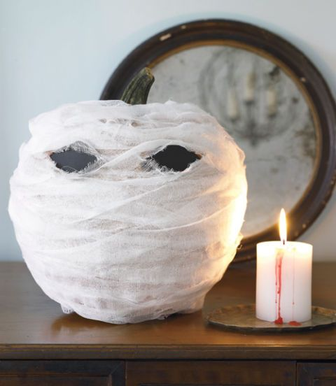 15 Ghostly DIY Halloween Party Decor Ideas For A Spooky