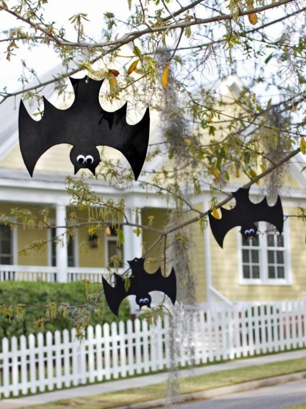 15 Super Scary Dollar Store Halloween Decor Ideas You Still Have Time To Craft