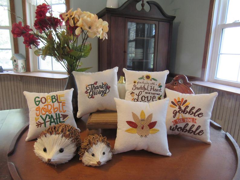 16 Fantastic Handmade Thanksgiving Pillow Designs Your