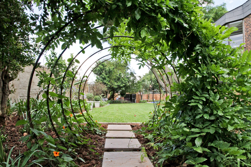 17 Spectacular Eclectic Landscape Designs You're Going To Admire