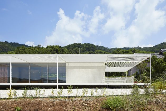 House in Shiraiwa by 2id Architects in Hamamatsu, Japan
