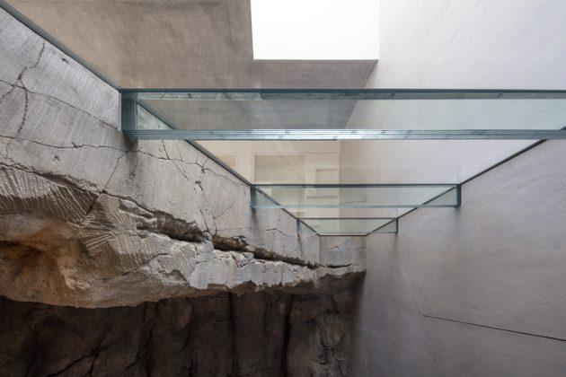 Villa Troglodyte by Jean-Pierre Lott in Monaco