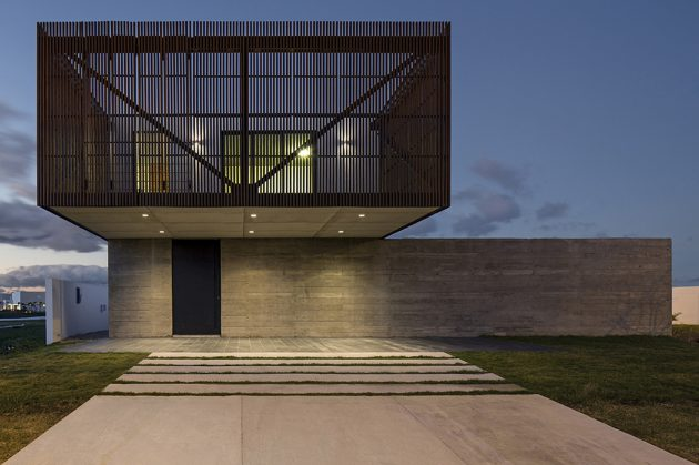 Xan House by MAPA in Xangrila, Brazil