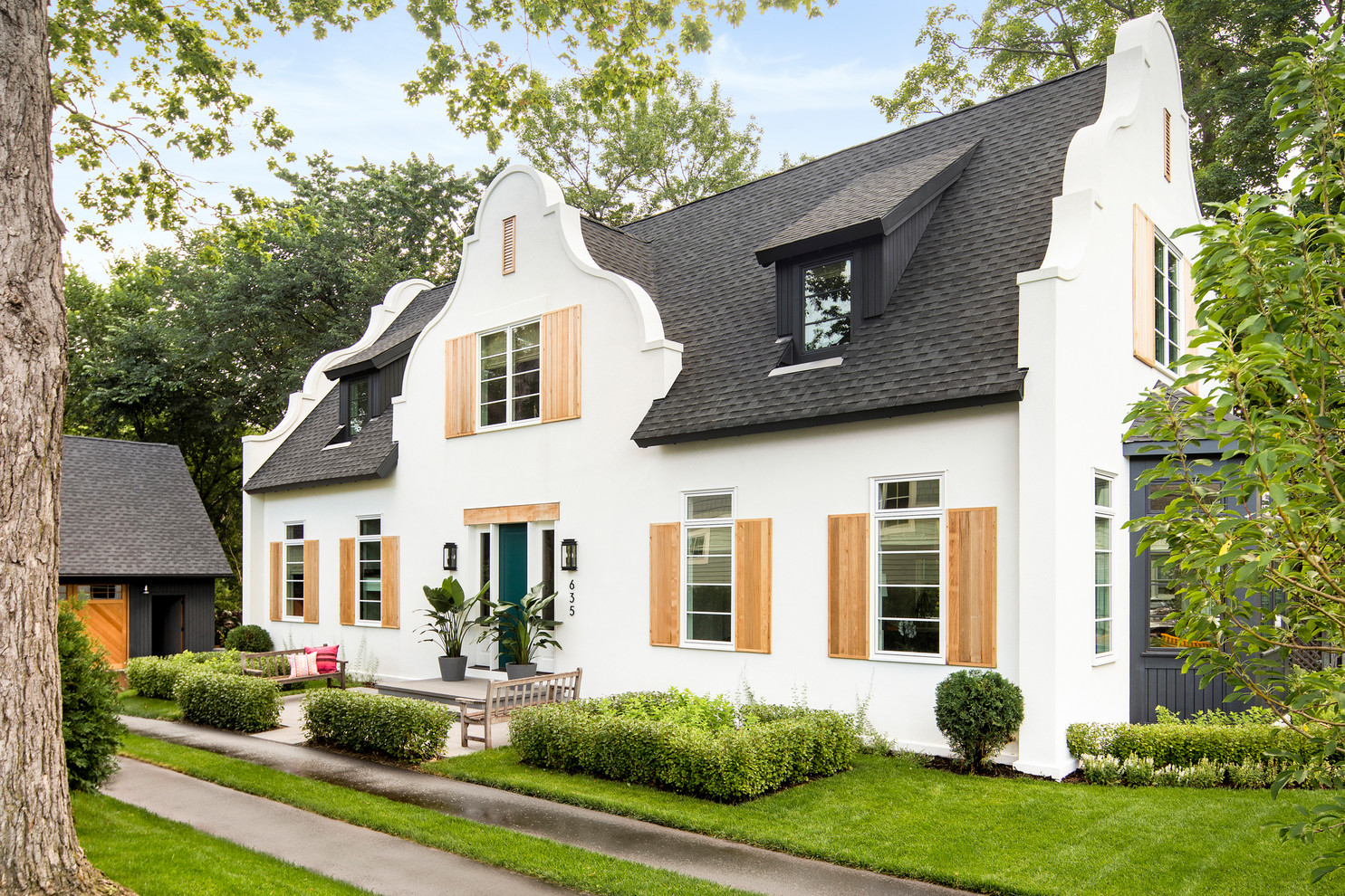 16 Splendid Eclectic Exterior Designs You'll Wish Your Home Had