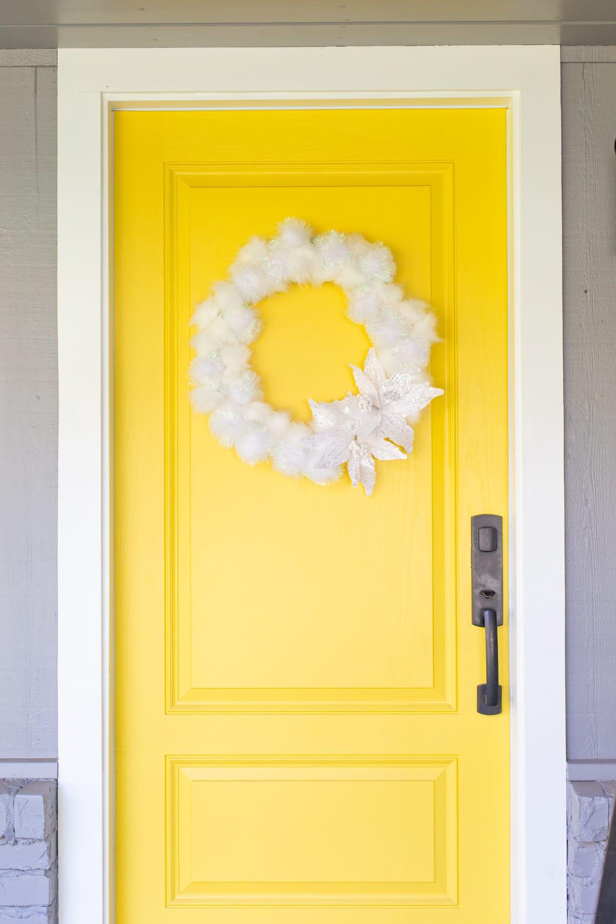17 Sparkling DIY Winter Decor Ideas Youll Enjoy Crafting