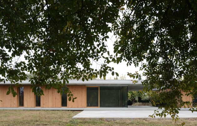 Countryside Villa by MIDE Architects in Montebelluna, Italy