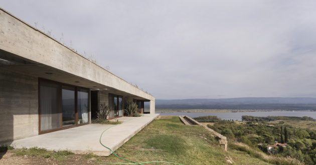 FM House by Alarciaferrer Architects in the Calamuchita Valley, Argentina