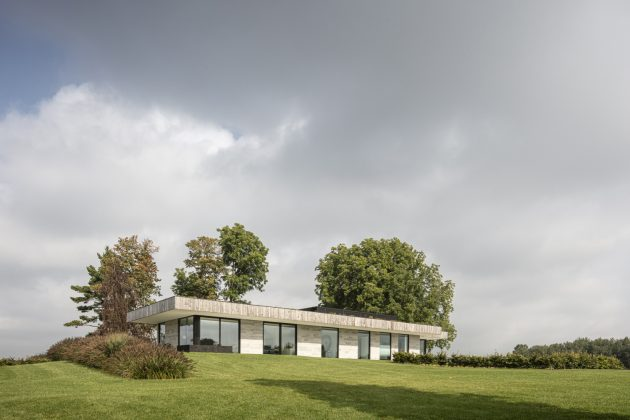House H by Chris Collaris Architects in Ontario, Canada