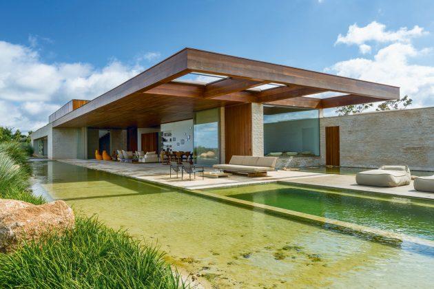 MS House by Studio Arthur Casas in Fazenda Boa Vista, Brazil