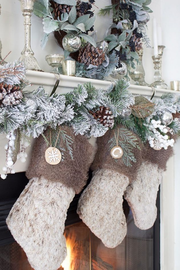 9 Stunning Christmas Mantel Decor Ideas