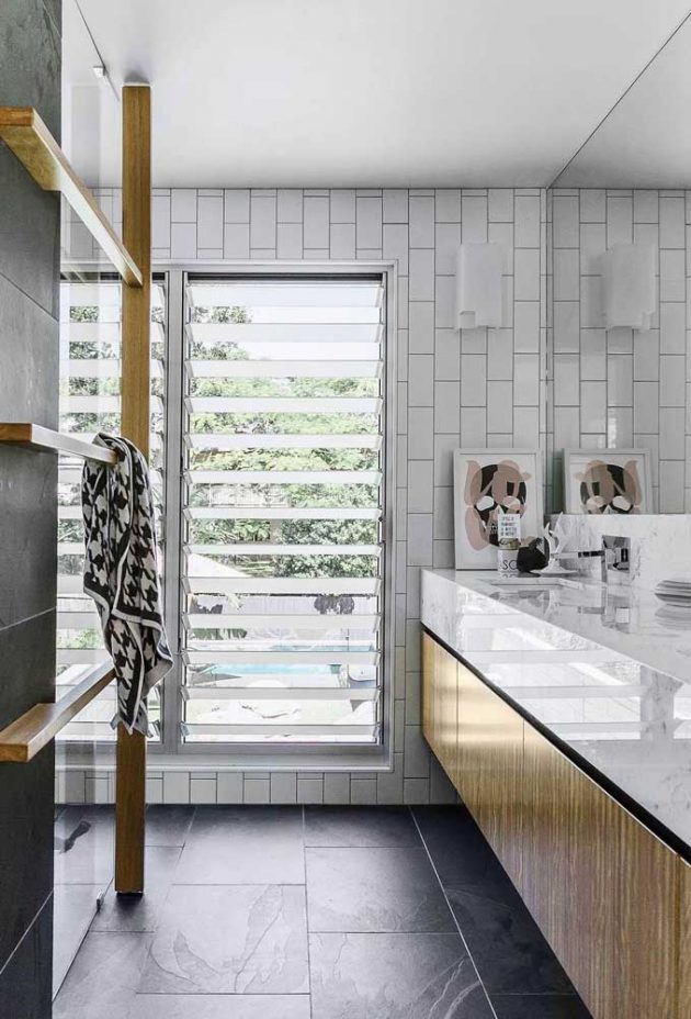 10 Inspiring Photos of Different Types of Bathroom Windows