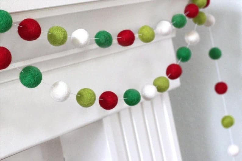 15 Chic Christmas Garland Designs To Add To The Festive Backdrop