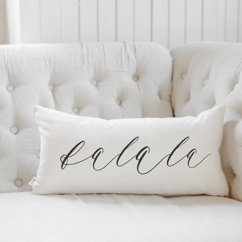 16 Chic Winter Pillow Designs To Mark The Season