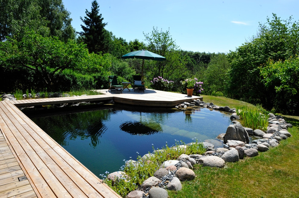 16 Impressive Scandinavian Swimming Pool Designs For The Backyard