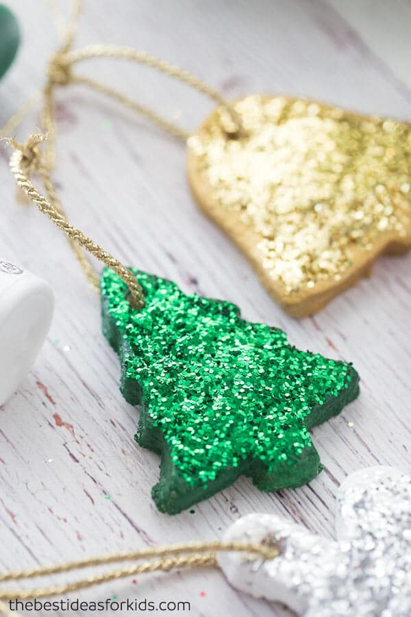 16 Wonderful DIY Christmas Ornaments To Add To Your Christmas Tree