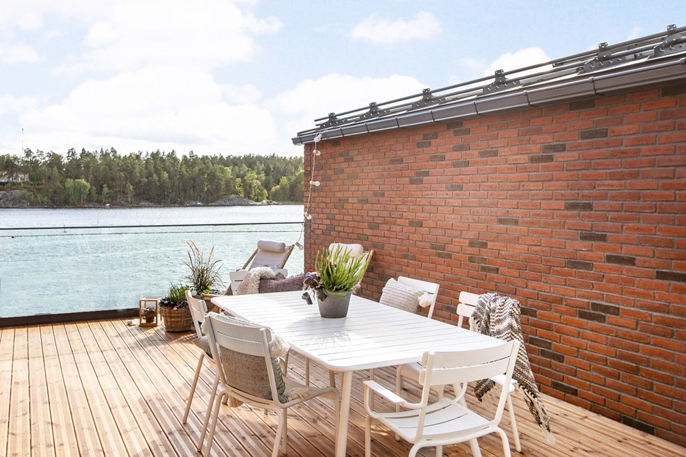 18 Snazzy Scandinavian Balcony Designs For Everyday Comfort