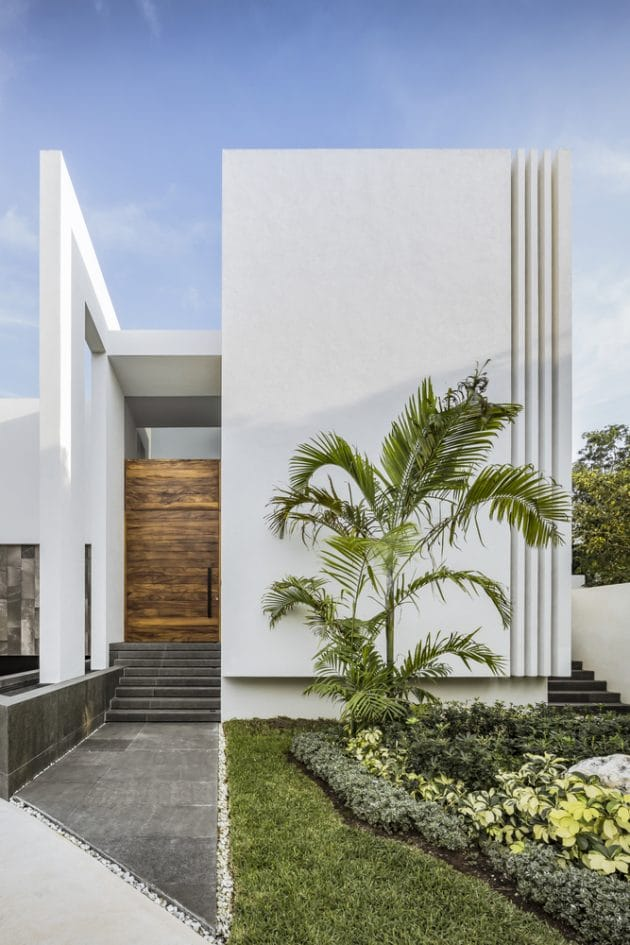 Cannes House by TAFF Arquitectos in Cancun, Mexico
