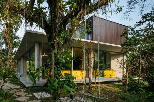 Itamambuca House by Gui Mattos in Brazil