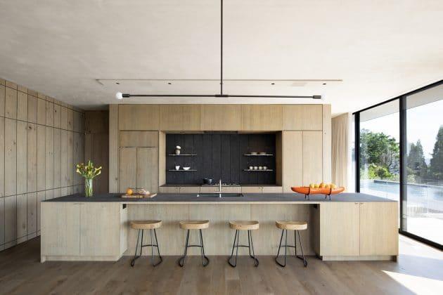 Kihthan House by Bates Masi + Architects in Sagaponack, New York