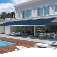 Manual vs. Motorized Retractable Awnings: Which Is Right for You?