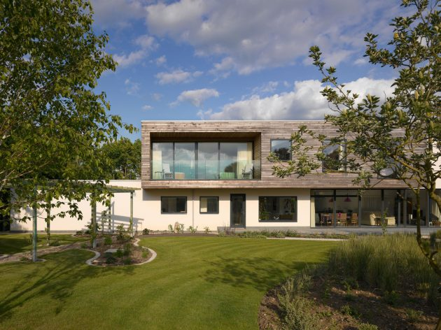 Meadowview Residence by Platform 5 Architects in Bedfordshire, England