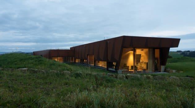 Villa Tjelta by Hoem + Folstad Arkitekter in Sola, Norway