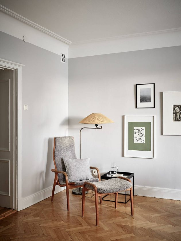 Pearl Gray Walls and Wooden Floor for Your Home Sweet Home