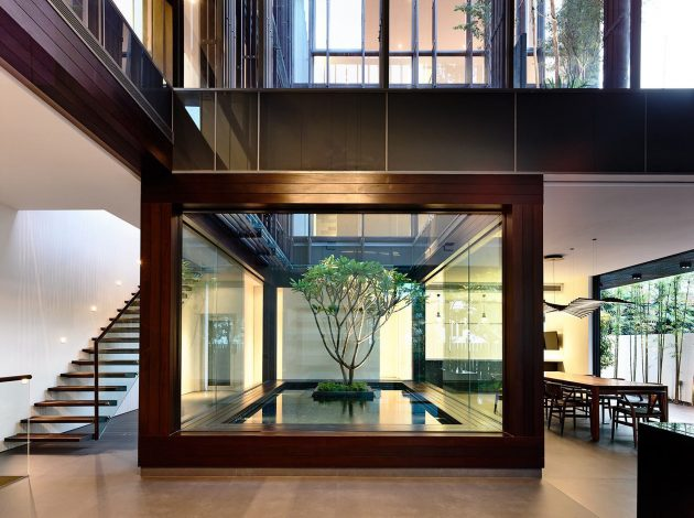 Water Mirror in Architecture & Decoration