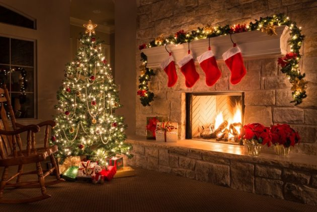 10 Christmas Living Room Decorating Ideas