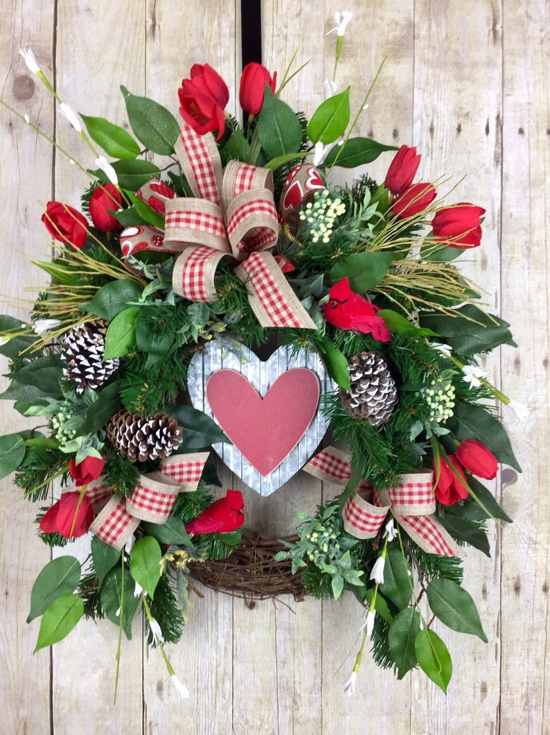 15 Lovely Valentine's Day Wreath Designs For February