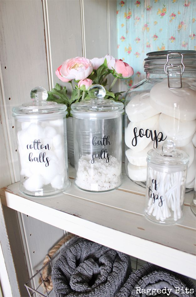 15 Surprisingly Useful Diy Bathroom Organization Amp Decor Ideas