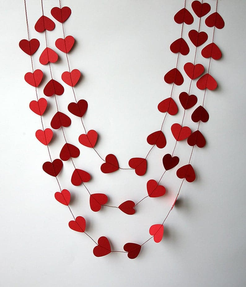 15 Sweet Valentine's Day Banner & Garland Ideas To Surprise Your Sweetheart