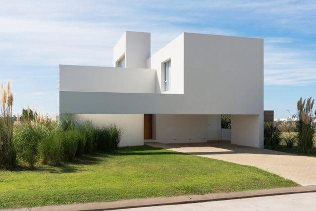 M&P House by Nicolas Campodonico in Rosario, Argentina